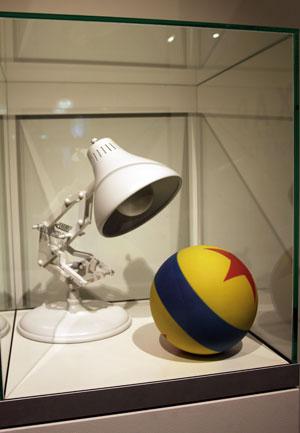 Bureaulamp met gekleurde bal
