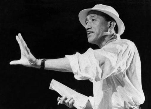 Yasujiro-Ozu-