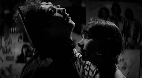 Recensie A Girl Walks Home Alone at Night