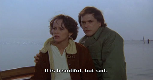 De regisseur (Tomas Milian) en zijn geliefde (Christine Boisson) in Identificazione di une donna.