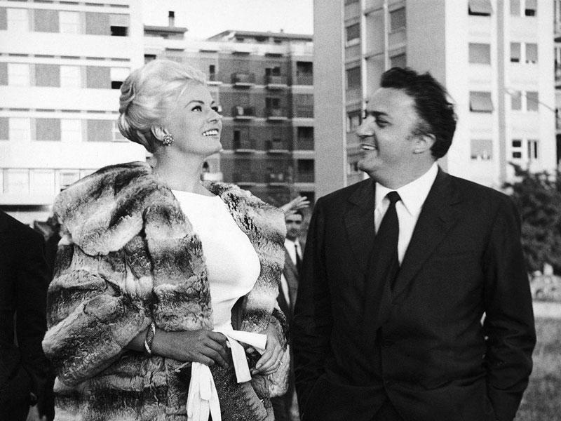 Federico Fellini met Anita Ekberg