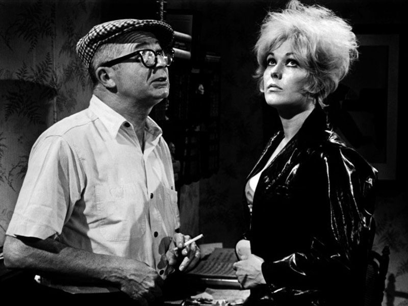 Billy Wilder en Kim Novak op de set van Kiss Me, Stupid, 1964