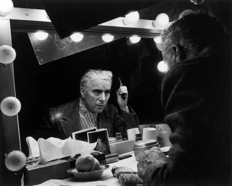 Charlie Chaplin tijdens de opnames van Limelight in 1952.